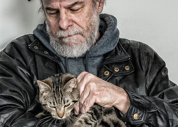 Vietnam veteran with cat